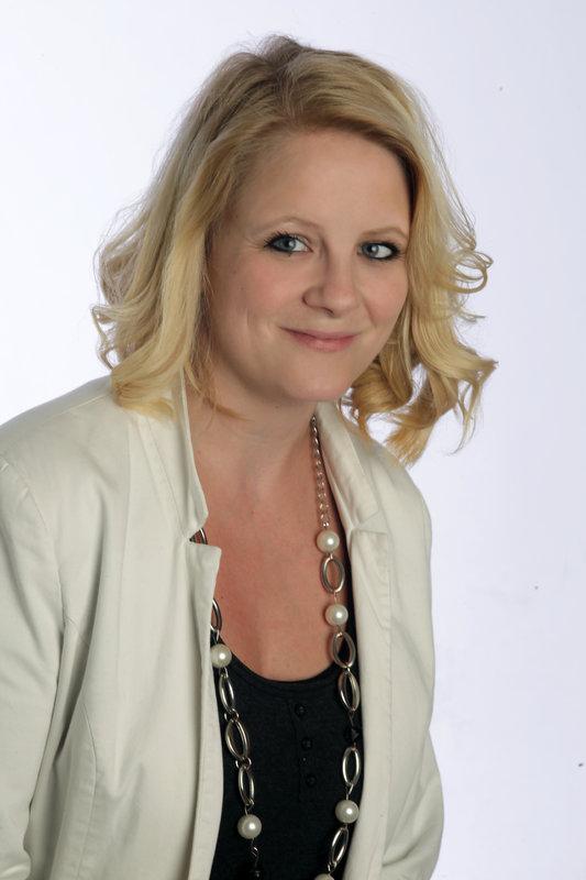 Yvonne ZAHREN