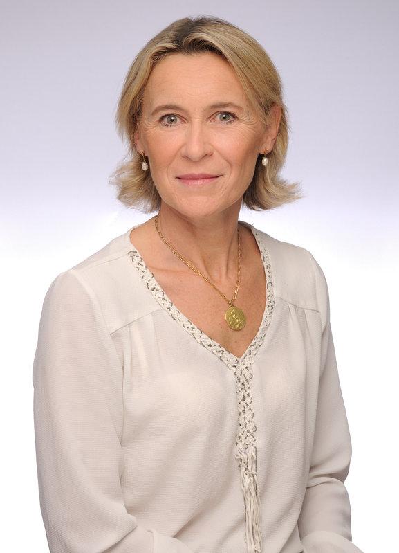 Anne DE PETIVILLE