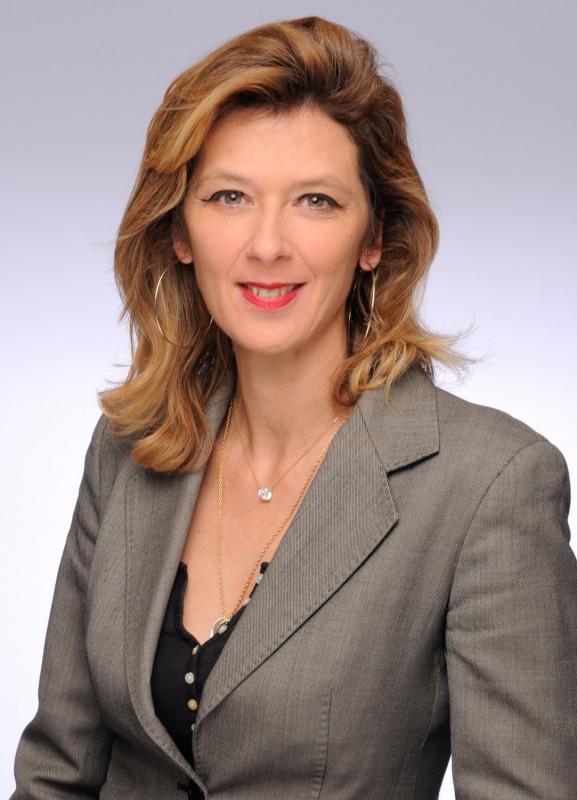 Carole DE VELLOU